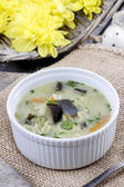 Popular asian soup with chicken and coconut milk — Stock Photo