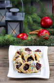 Christmas cookies filled with marmalade, decorated with colorful — Stockfoto