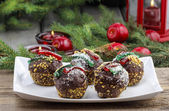 Round shape chocolate christmas cakes, decorated with jelly stri — Stock Photo