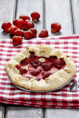 Strawberry galette. Summer pie filled with fresh juicy fruits — Foto Stock