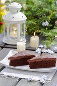 Navidad tradicional danesa. pastel de chocolate y blanco hecho a mano — Foto de Stock