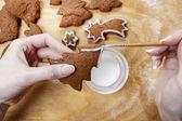 Preparing gingerbread cookies for christmas. Steps of making bis — Foto Stock