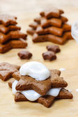 Preparing gingerbread christmas tree. Steps of making delicious — Stock Photo