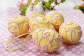 Pink and yellow easter eggs — Stock Photo