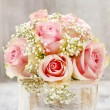 Bouquet of pink roses in wooden shabby chic box. Copy space — Stock Photo #47975507