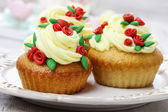 Beautiful rose cupcake — Stock Photo