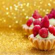 Beautiful tiny cupcakes with wild strawberries — Stock Photo #50624355