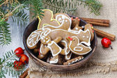 Bowl of gingerbread cookies. Traditional christmas recipe. — Stock Photo