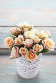 Bouquet of pink pastel roses — Stockfoto