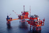 Tender Drilling Oil Rig on The Production Platform — Stock Photo