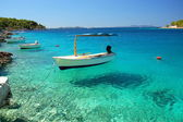 Boats in a quiet bay of Milna on Brac island, Croatia — Foto de Stock