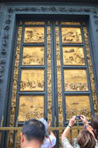Outstanding Golden Gates of Paradise by Lorenzo Ghiberti in Baptistery of San Giovanni in Florence, Italy — Stock Photo