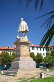La estatua de giuseppe garibaldi en livorno, italia — Foto de Stock