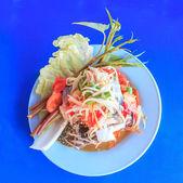 Thai papaya spicy salad or Som Tum with blue crab — Stock Photo
