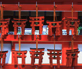 Small torii in Fushimi Inari Shrine, Kyoto, Japan — Stock Photo
