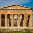 Foto Stock: Temple at Paestum Italy frontal