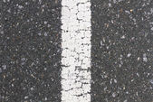 Road with white line in the middle vertical — Stock Photo