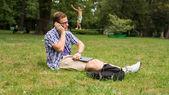 Homme avec téléphone portable — Photo