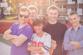 Mladý usmívající se studenti — Stock fotografie