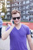 Man using mobile phone — Stock Photo
