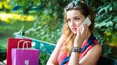 Woman talking on phone — Stock fotografie
