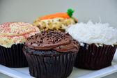 шоколад, бархат, морковь и кокосового кексы — Стоковое фото