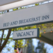 Vacancy Bed & Breakfast Sign — Stock Photo