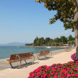 Promenade of bardolino, garda lake, italy — Stock Photo