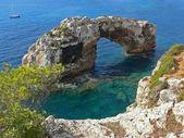Famous stone arch, majorca — Stock Photo