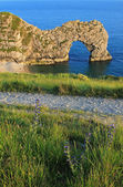 Natural archway at jurassic coast — Stock Photo