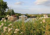 Idyllic river frome with sail boats — ストック写真