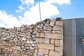 La pierre qu'ont rejetée les bâtisseurs est devenue la pierre angulaire — Photo