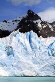 Glacier and Mountain Peak — Stock Photo