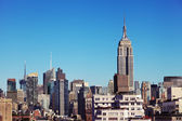 Rijk staatsopbouw midtown manhattan skyline van new york — Stockfoto