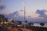 Tel-Aviv Boardwalk & Beach at Dusk — Stock Photo