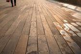 Wet Sunny Boardwalk Pedestrian — Stock Photo