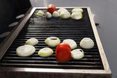 Tomato & Onions on the Grill — Stock Photo