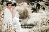 Wedding couple show concept of love — Foto Stock