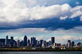 Vista della città di montreal, poco prima di una tempesta — Foto Stock