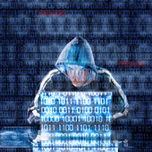 Hacker digitando em um laptop — Foto Stock