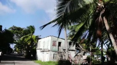 San Andres Island Streets, Buildings and Area from inside a car. — Stock Video