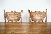 Dřevěný jídelní stůl a židle podrobnosti — Stock fotografie
