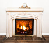 Luxurious White Marble Fireplace and empty wall — Stock Photo