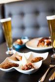 Comida tradicional portuguesa, em uma tabela — Fotografia Stock