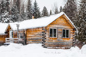 Log Wood Chalet in Quebec, Canada — Stock Photo