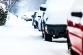 Parked Cars on a Snowstorm Winter Day — Stockfoto