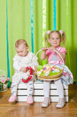 Sisters Little girls in fashionable clothes — Stock Photo