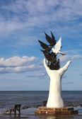 Vrede monument in kusadasi, turkije — Stockfoto
