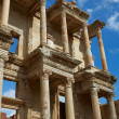 The remains and statues of the enormous Library of Celsus in the city of Ephesus in modern day Turkey — Стоковое фото #22100813