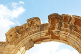 Hadians Temple in the old ruins of the city of Ephesus in modern day Turkey — Стоковое фото